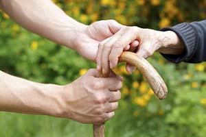 老年人应该如何应对白癜风,安徽治疗白癜风
